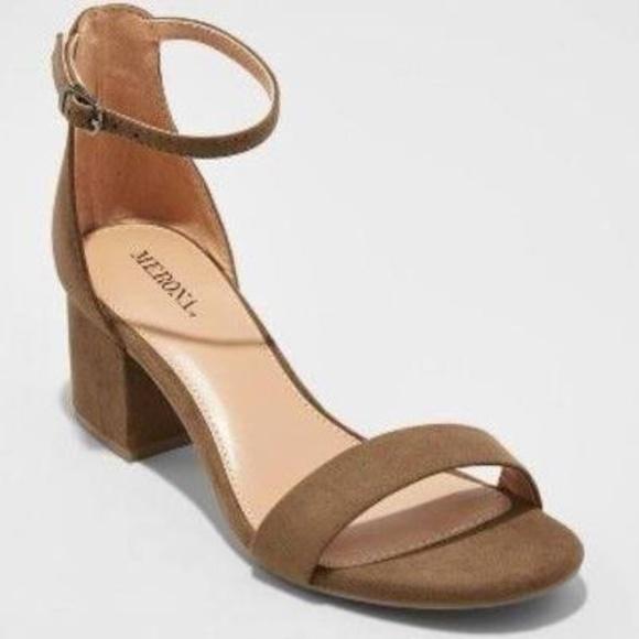 09b0e44cb43 Green Marcella Low Block Heel w  Ankle Straps NWT